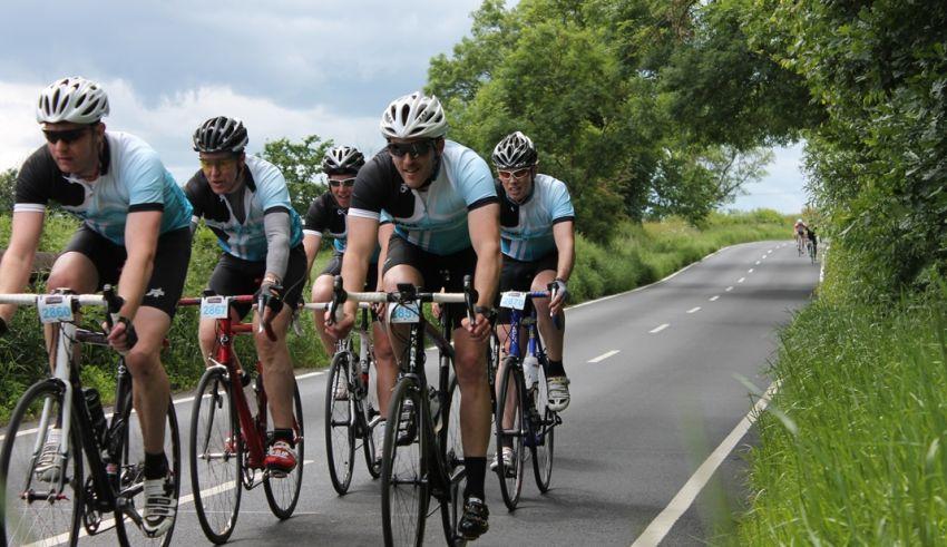 6 επικίνδυνες καταστάσεις ποδηλατώντας σε γκρουπ