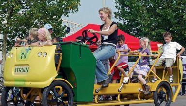 Σχολικό λεωφορείο με πεντάλ στην Ολλανδία