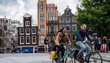 Ολλανδία - Η χώρα που πληρώνει τους πολίτες της για να ποδηλατούν...