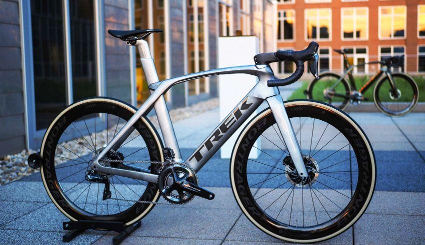 Madone SLR - Πως εξελίσσεις ένα από τα πιο εξελιγμένα ποδήλατα της αγοράς