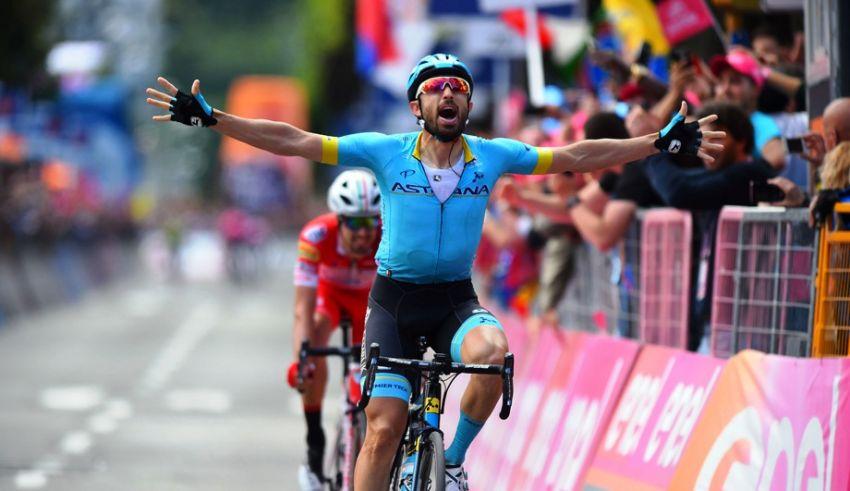 15ο εταπ – Ο Nibali κερδίζει χρόνο έναντι του Roglic λόγω πτώσης