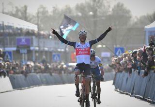 Omloop Het Nieuwsblad 2020 – Ο Jasper Stuyven κερδίζει το σπριντ