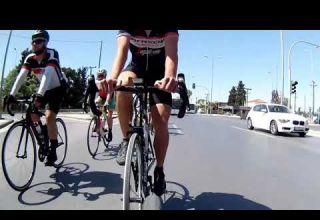 Ασυνείδητος οδηγός αστικού θέτει σε κίνδυνο τη ζωή ποδηλατών - Βίντεο