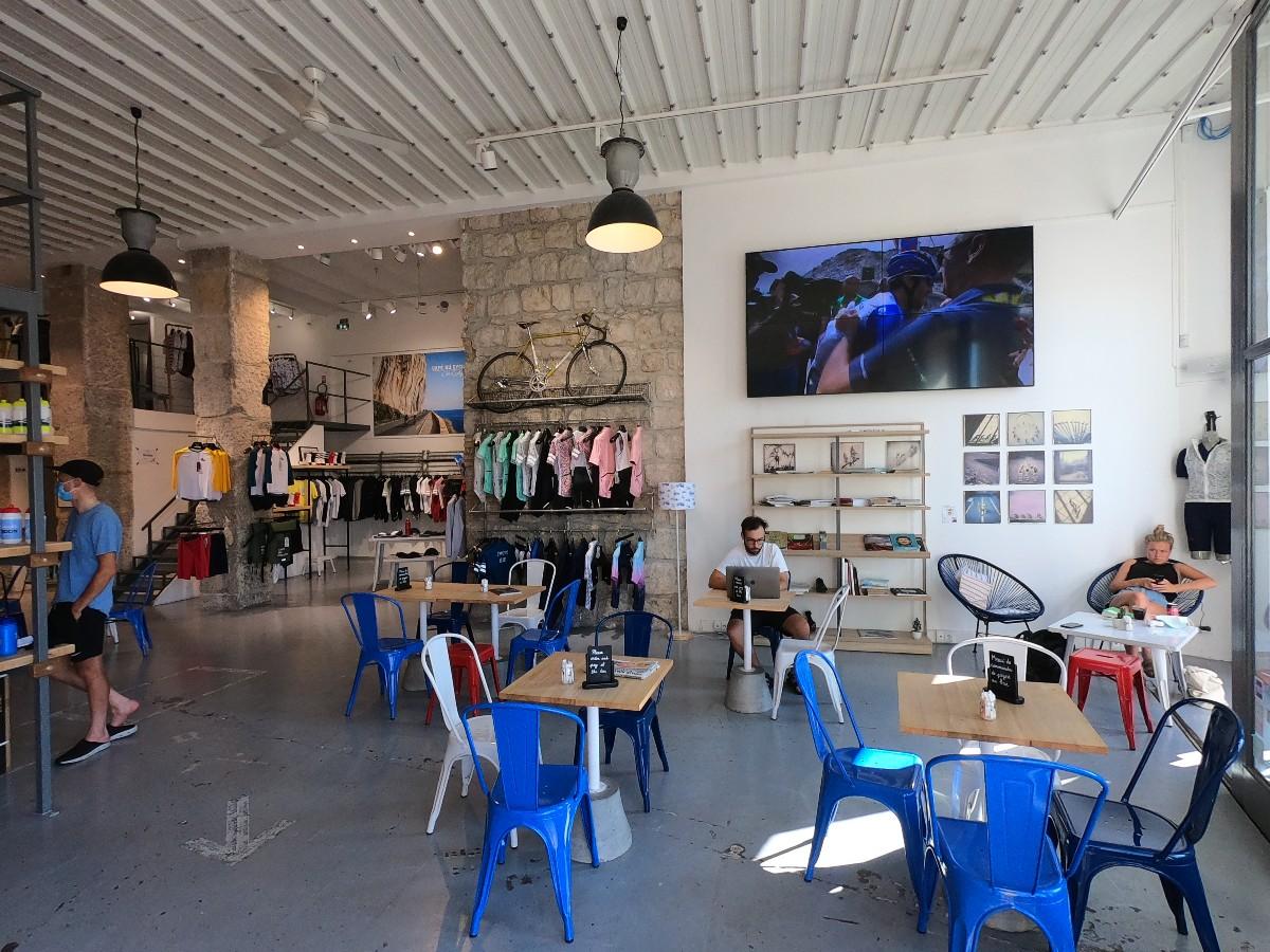 Café du Cycliste – Ένα παράδειγμα ποδηλατικού καφέ
