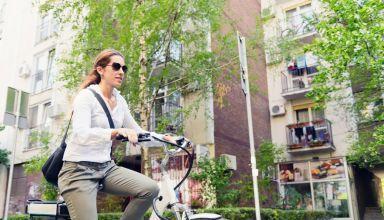 Βασικές συμβουλές για να ποδηλατούμε σε κίνηση