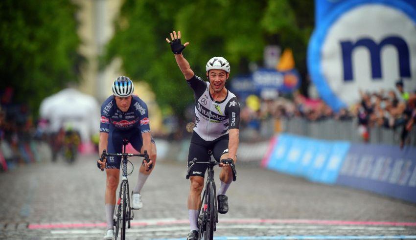 15ο εταπ – Μια ακόμα πρώτη νίκη για τον Victor Campenaerts