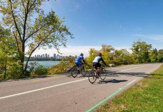 Μήπως η ποδηλασία μας κάνει να τρώμε περισσότερο;