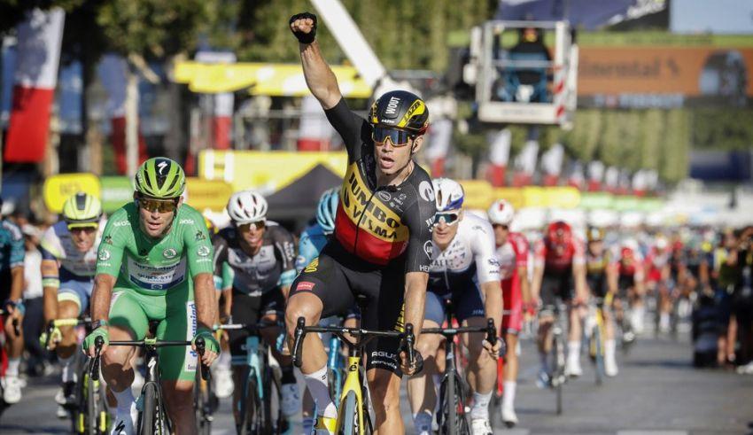 21ο εταπ – 3η νίκη στο Παρίσι για τον Wout van Aert